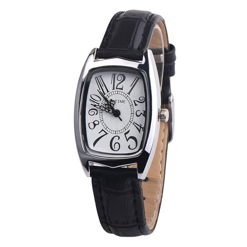 Horloge met grote cijfers